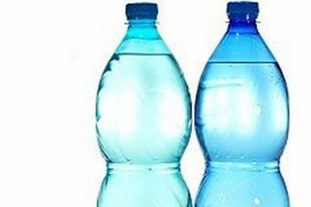 Nielsen: Najwięcej wody sprzedaje się w supermarketach