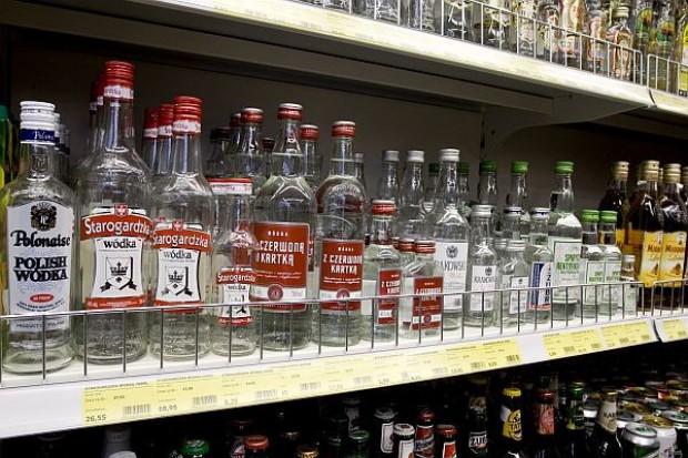 Półka z alkoholami
