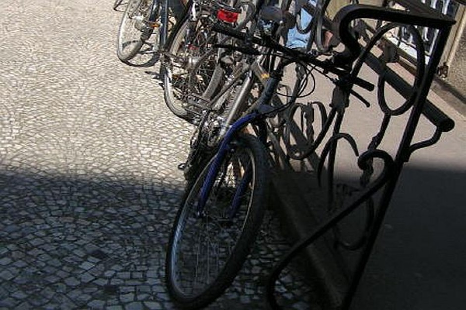 Stojak rowerowy pomaga zyskać lojalność klientów