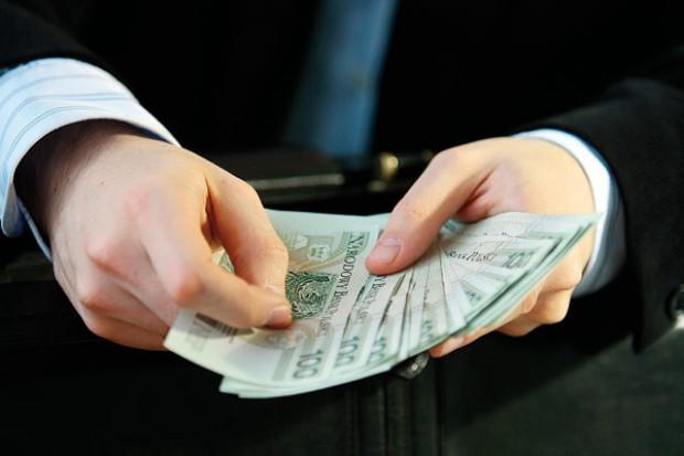 Internetowi klienci chętnie płacą gotówką