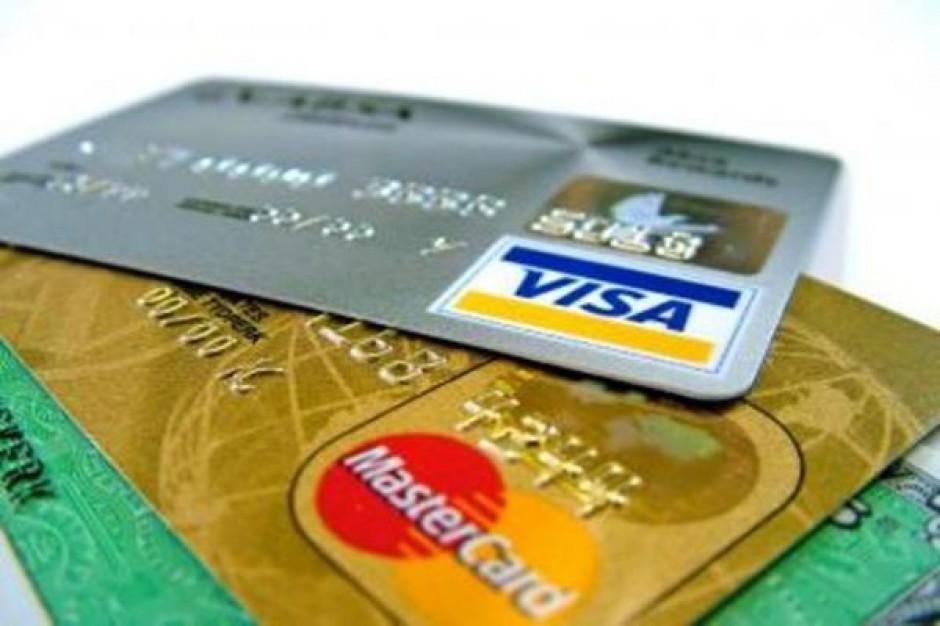 W 2013 r. 80 proc. sklepów ma honorować karty płatnicze