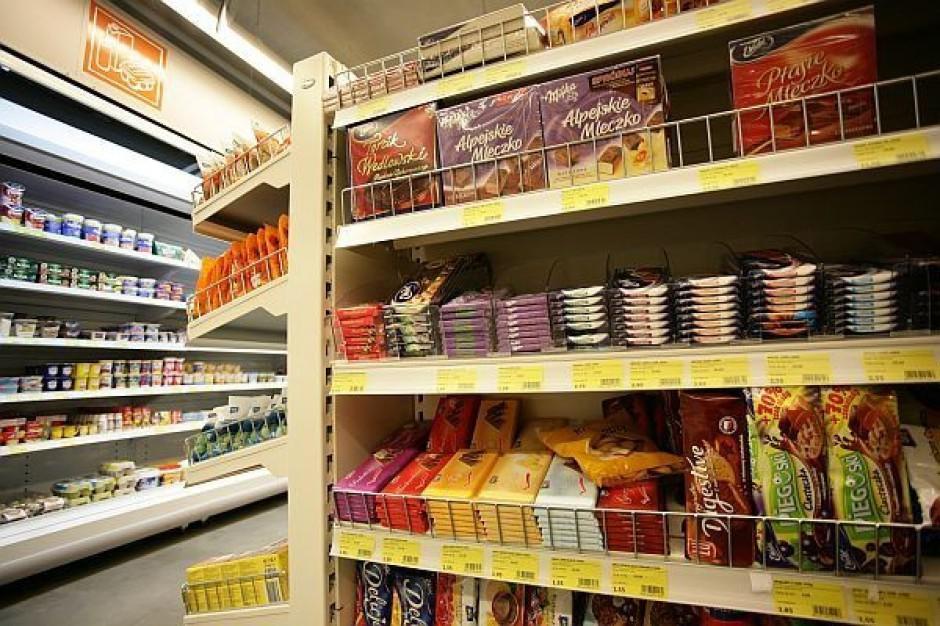 W małych sklepach towary muszą mieć stałe miejsce na półkach