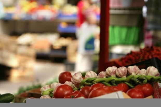 Ceny żywności w sklepach skoczyły o 4,4 proc.