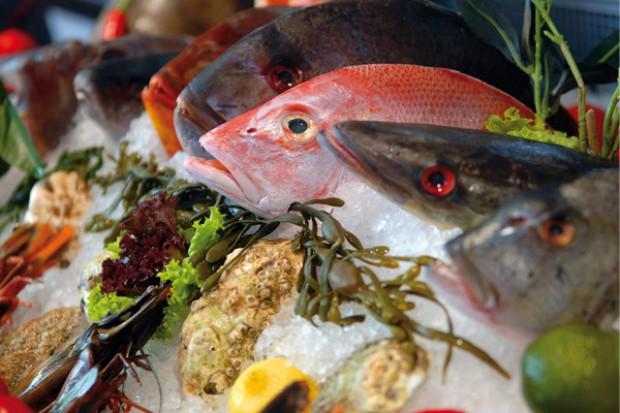 Polacy 3 razy mniej wydają na ryby niż na wędliny