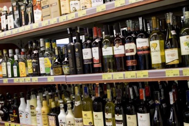 Zakaz sprzedaży alkoholu w Krakowie i Warszawie 17 i 18 kwietnia