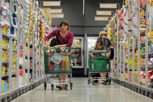 Zakaz handlu w niedziele mógłby ożywić sprzedaż w sklepach osiedlowych