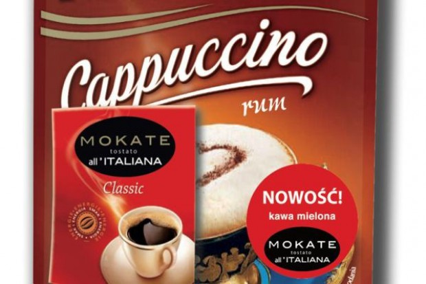 Do cappuccino Mokate dodaje saszetkę kawy mielonej
