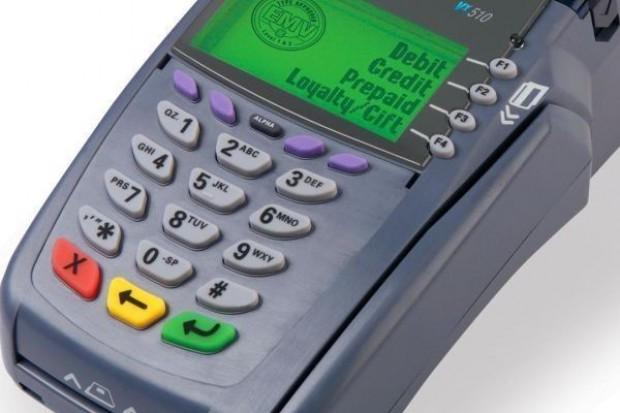 Płatności kartą zbliżeniową mogą zwiększyć obroty sklepu