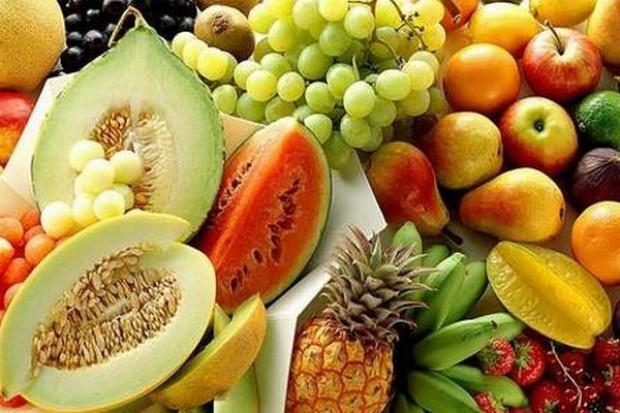 IERiGŻ: przeciętny Polak zjadł w ubiegłym roku 55 kg owoców