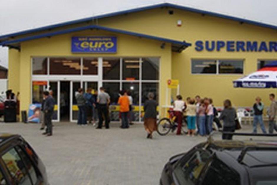Powódź niszczy kolejne sklepy