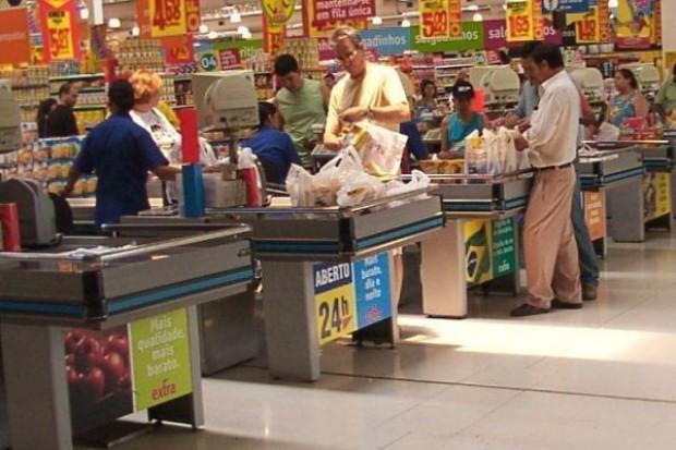 Nielsen: ceny żywności naszybciej spadały w hipermarketach