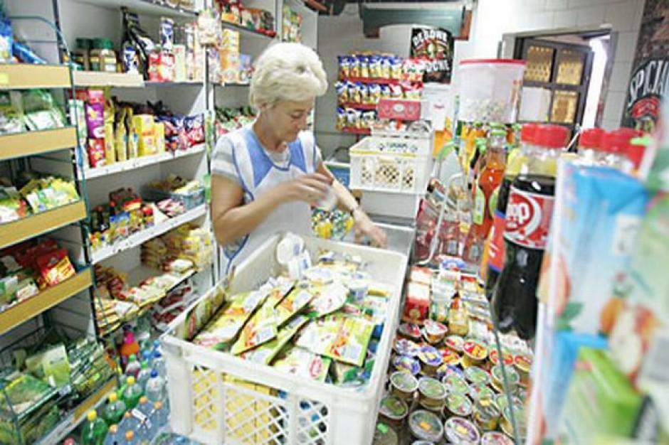 Małe sklepy borykają się z rosnącą konkurencją supermarketów