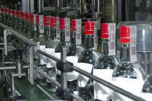 Spada sprzedaż wódki w Polsce - rośnie whisky, ginu i gotowych drinków