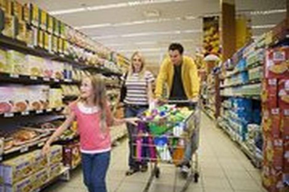 Jedzenie na święta Polacy kupią głównie w dyskontach. Wydadzą tam średnio 738 zł