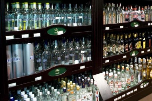 Sprzedaż alkoholi spadła o 5-6 proc.