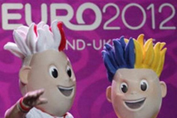 Carrefour przygotowuje projekty handlowe na Euro 2012