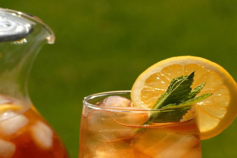 Lipton reklamuje nowy smak herbat mrożonych z mango