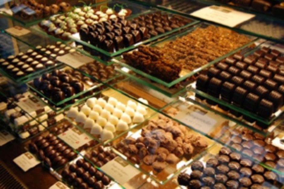 Tesco: W walentynki sprzedaż słodyczy wzrasta o ponad 30 proc.