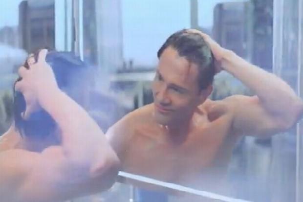 Krzysztof Ibisz w reklamie szamponu head&shoulders