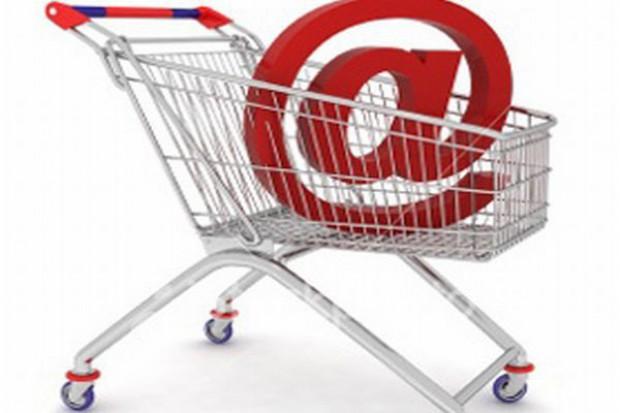 Sklepy internetowe ograniczają i naruszają prawa konsumentów