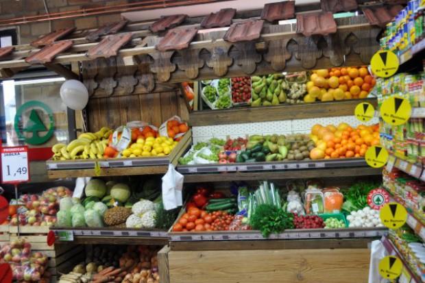 0,8-proc. wzrost cen żywności, nabardziej podrożały warzywa i owoce