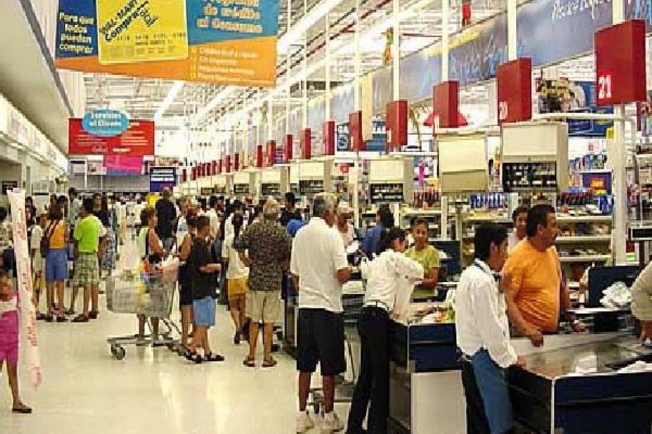 Sklepy wielkoformatowe w ubiegłym roku sprzedały 50 proc. wszystkich towarów spożywczych
