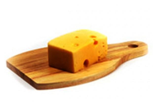 50 tys. zł kary dla Kauflandu za wprowadzenie zafałszowanego sera edamskiego