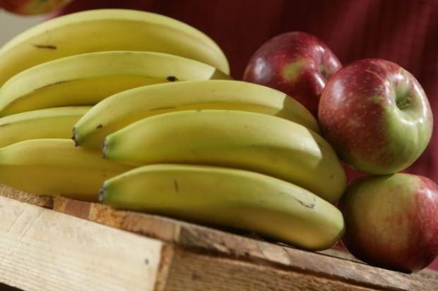 Niskie ceny owoców i warzyw na rynku w Broniszach
