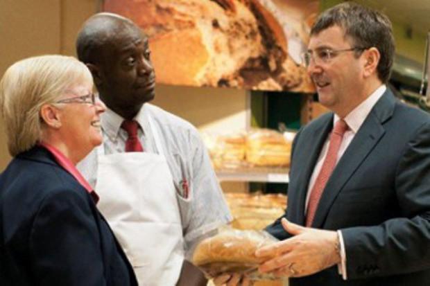 Tesco stawia na mniejsze sklepy, produkty świeże i dania gotowe