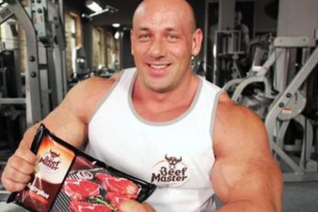 Robert Burneika promuje markę Beef Master