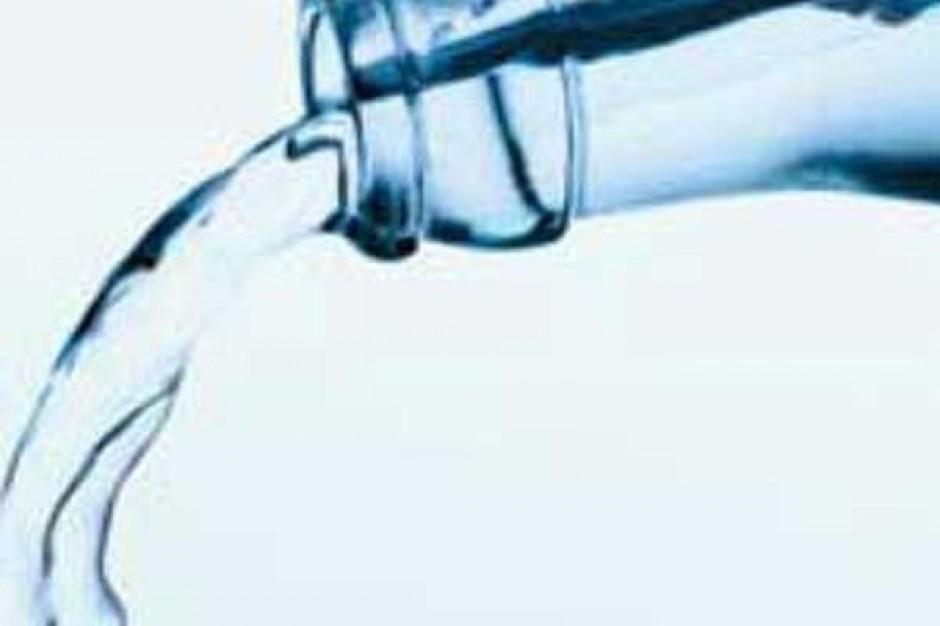 W tym roku sprzedaż wód niegazowanych wzrośnie o około 7 proc.