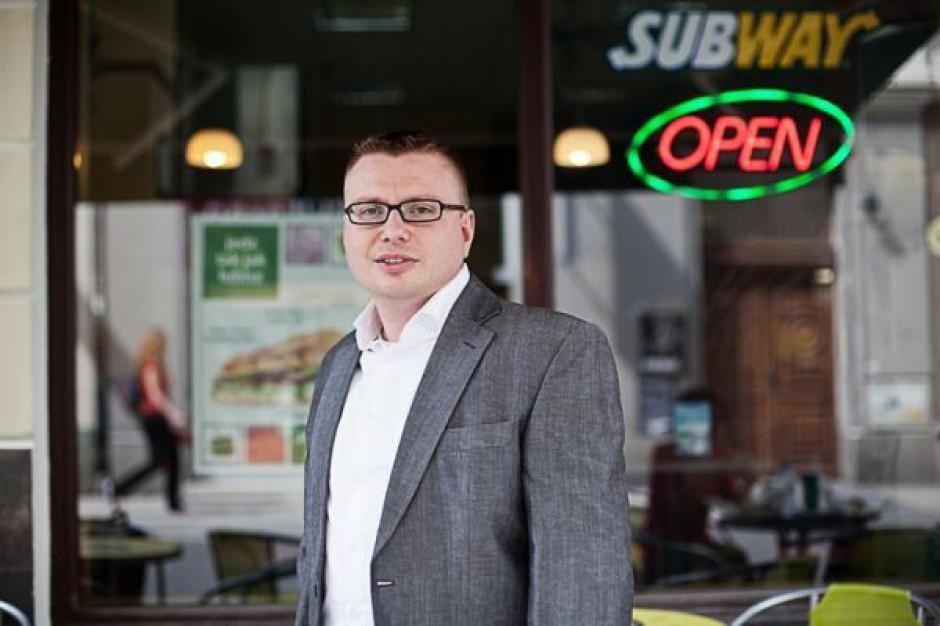 Subway chce mieć 100 lokali na początku 2014 r.