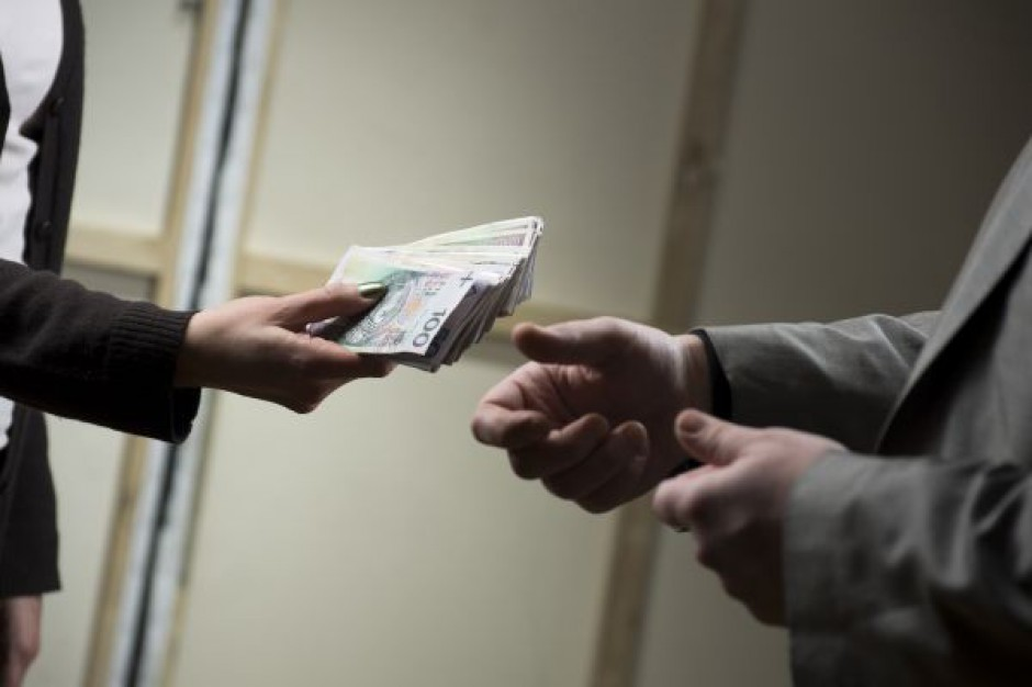 Zarobki w handlu w 2012 r. kształtowały się na poziomie 3 500 zł brutto miesięcznie