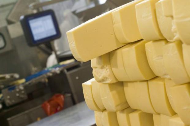 PIM: Należy zwiększyć dostęp do wyrobów nabiałowych w sklepach małoformatowych i supermarketach