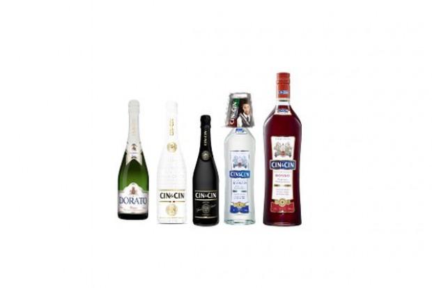 Poradnik: W grudniu w handlu tradycyjnym obroty napędza sprzedaż win musujących. Na co dzień win owocowych