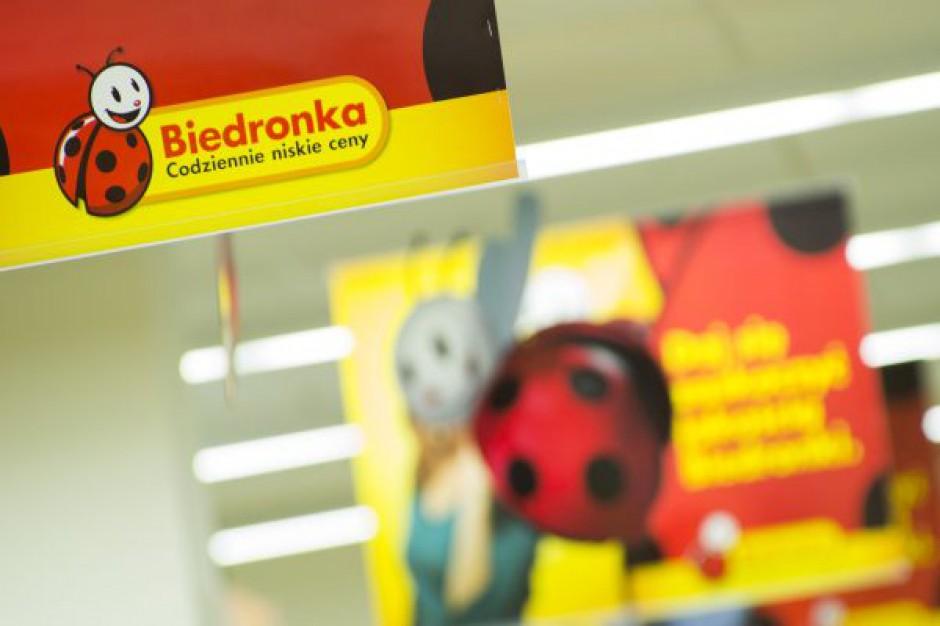 Trzy placówki Biedronki w Warszawie wybrane do testów płatności kartami