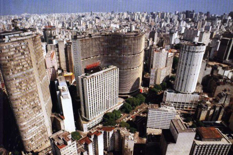 Warszawa chce być jak Sao Paulo. Tyle samo powierzchni handlowej, choć 10 razy mniej ludności