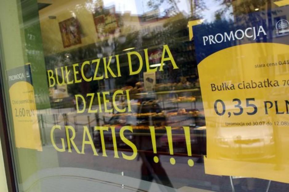 Poradnik: By zatrzymać klienta sklepy muszą rozwijać ofertę usługową