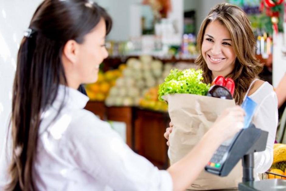 Badanie obsługi klienta: Co trzeci z klientów hipermarketów narzeka na zachowanie personelu