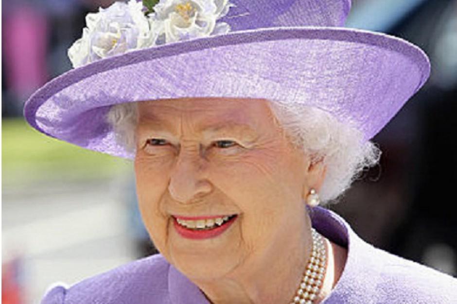 Elżbieta II kupiła kolejne centrum handlowe