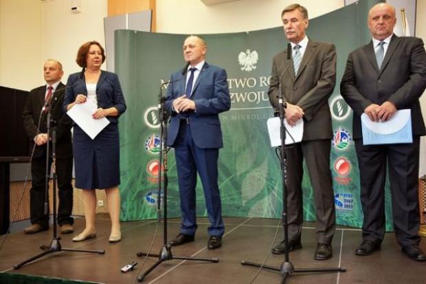 Marek Sawicki: Sieci bezwzględnie wymuszają na rolnikach i dostawcach obniżki cen