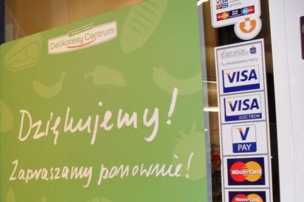 Eurocash przejmie połowę udziałów firmy prowadzącej sklepy Delikatesy Centrum