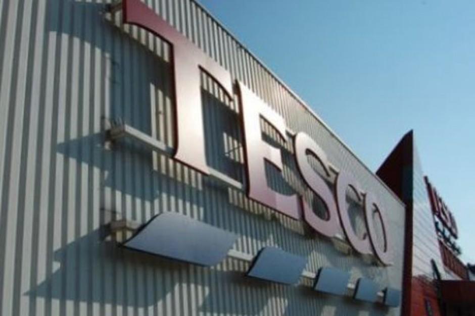 Tesco chce odbudować swoją pozycję. Zysk nie przekroczy 1,4 mld funtów