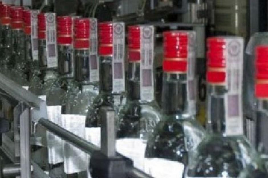 Drobni kupcy nie mogą odsprzedawać alkoholu z Tesco, Carrefoura, Biedronki i Lidla