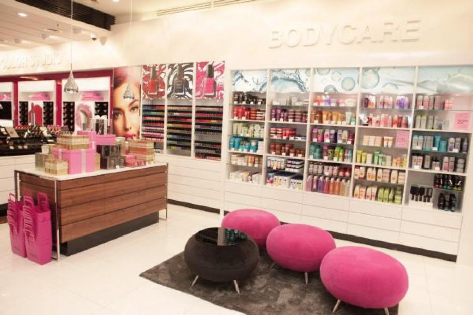 AVON Studio - pierwszy wzorcowy sklep kosmetycznej marki