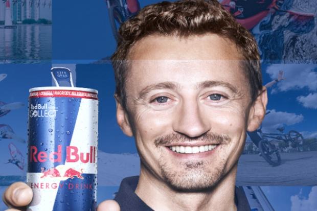 Adam Małysz promuje napój Red Bull