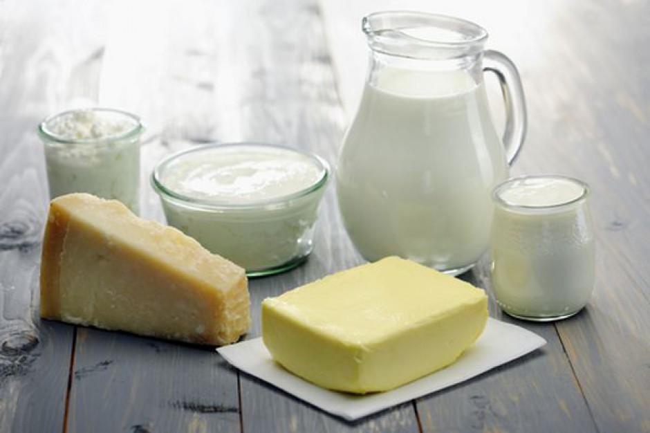 Biedronka zażądała od dostawców produktów mleczarskich obniżenia cen o 15-20 proc