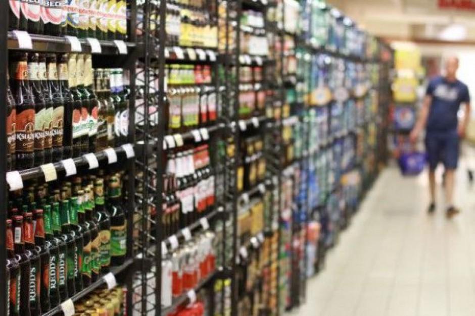 Liczba reklam o połowę mniejsza, a sprzedaż piwa i tak rośnie o 5-6 proc.