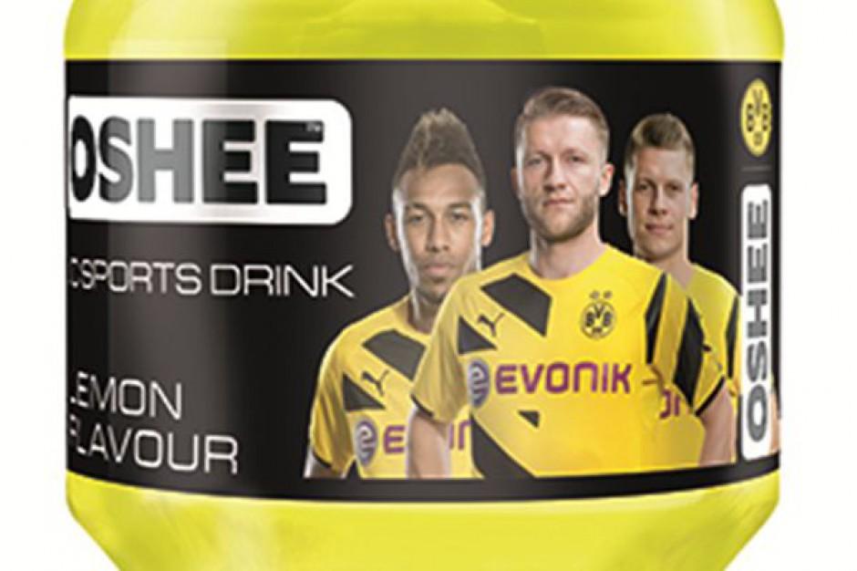 Piłkarze Borussii Dortmund na butelkach napoju Oshee