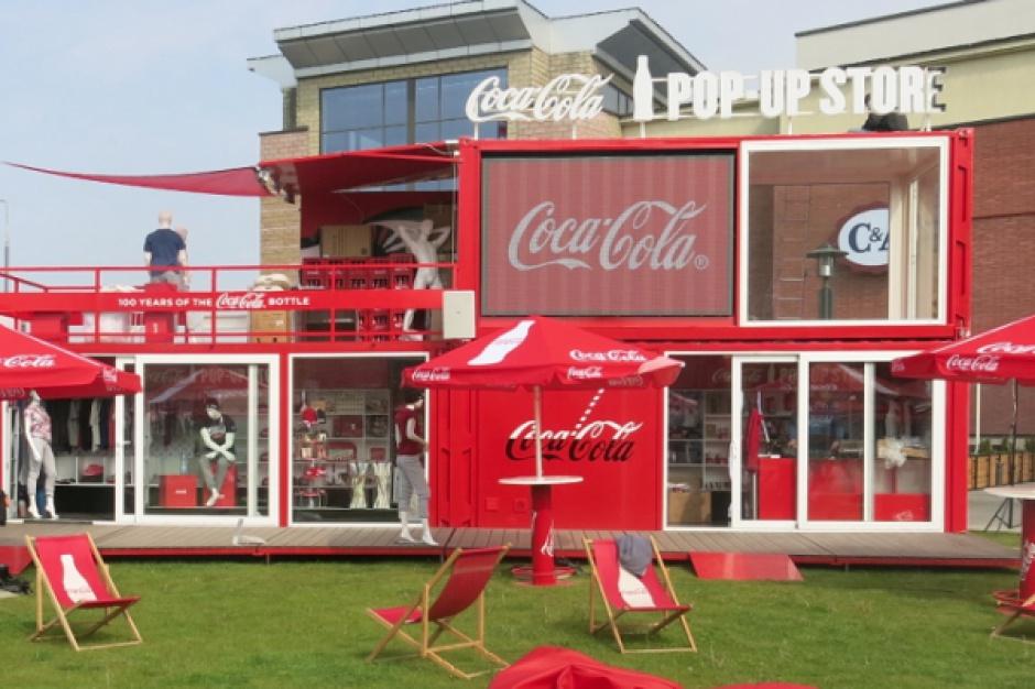 Pop-up store Coca-Coli przed CH Arkadia